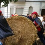 SPD Neukölln beim Rixdorfer Strohballenrollen 8
