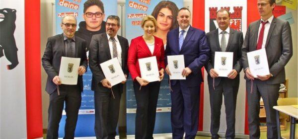 Unterzeichnung der Kooperationsvereinbarung für die Jugendberufsagentur Neukölln