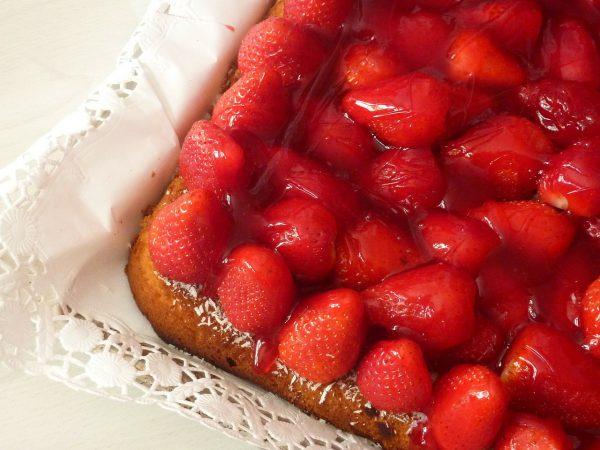 strawberry-cake-328149_1280