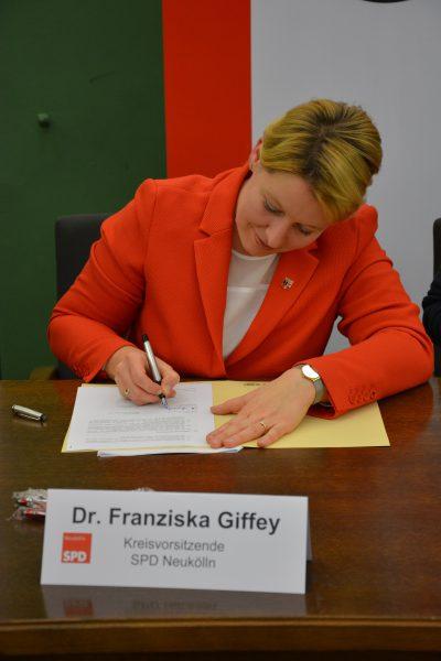 unterzeichnung-giffey