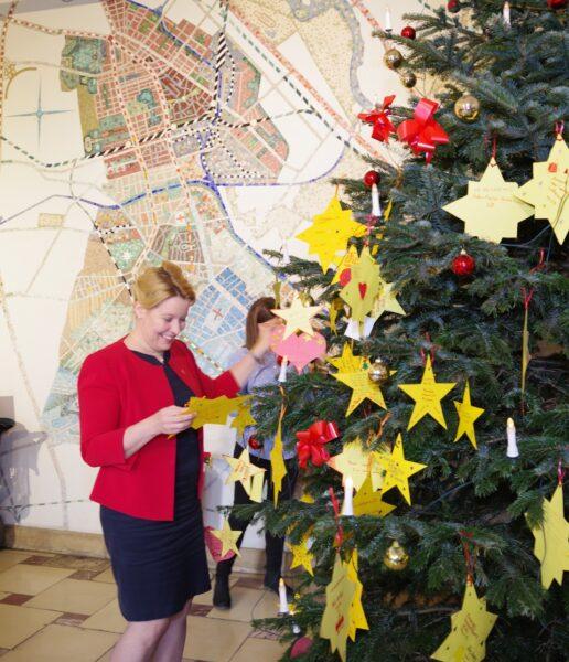 SPD nimmt wieder an Wunschbaumaktion für arme Kinder teil 2