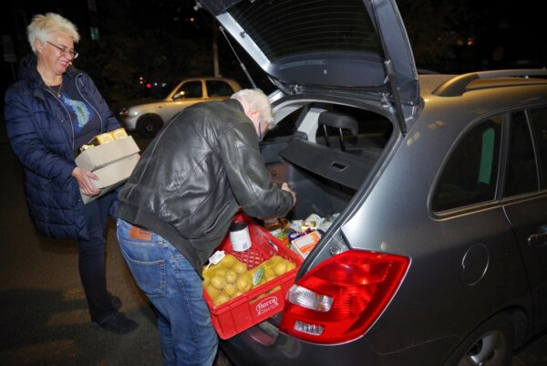 SPD-Fraktion übergab Spenden an Neuköllner Kältehilfeeinrichtung 2