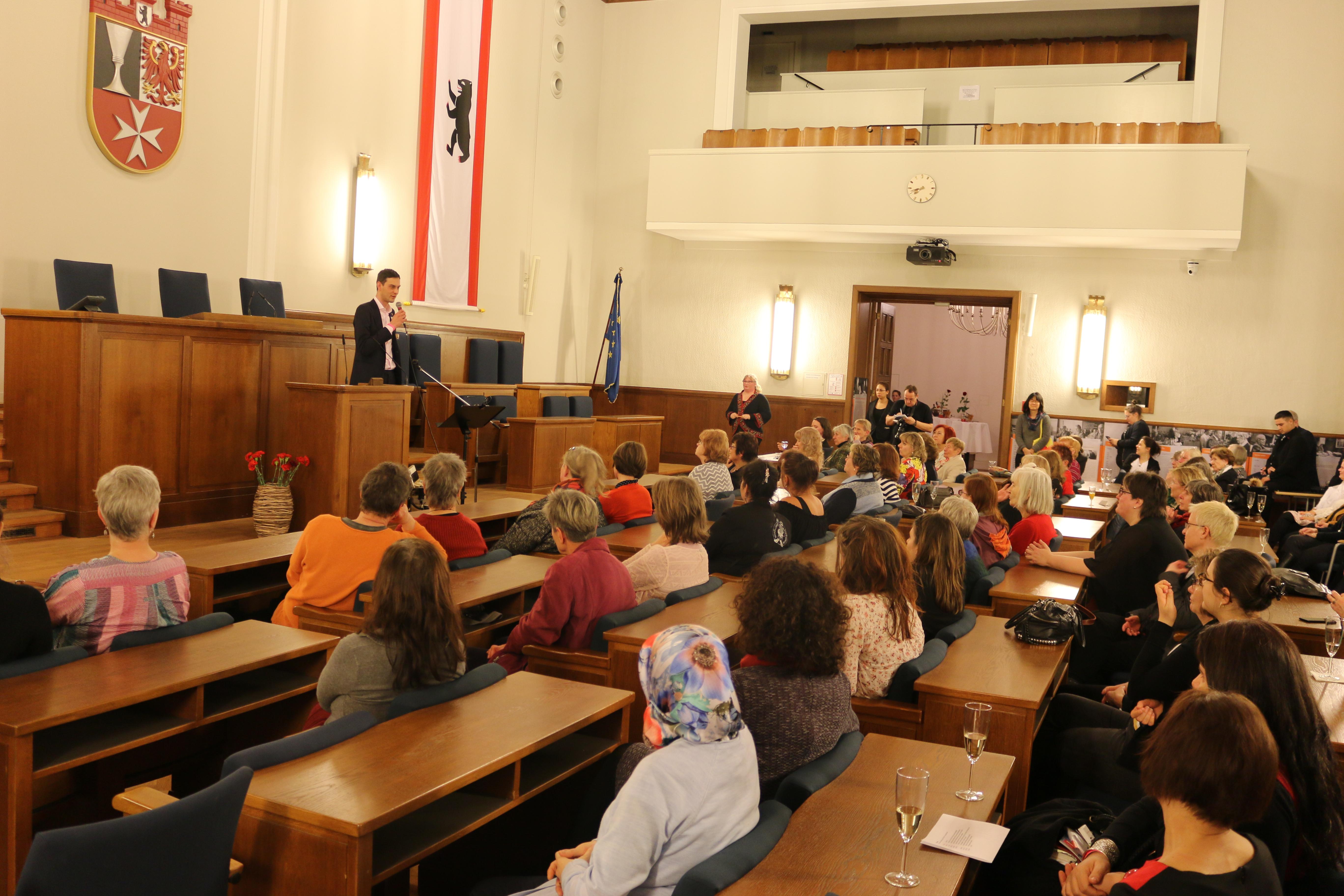 Feier 100 Jahre Frauenwahlrecht mit dem Blick nach vorne 1