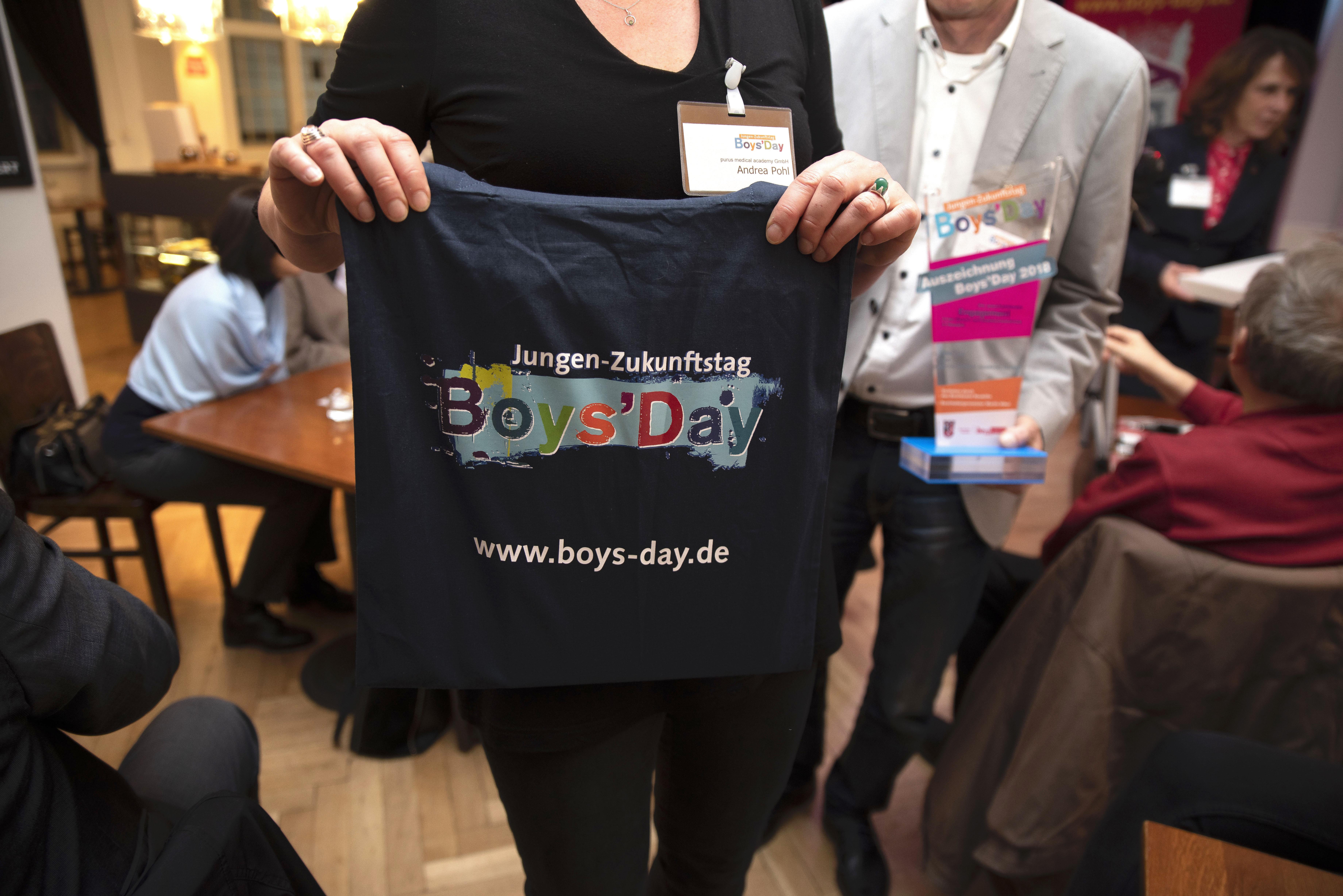 Unternehmen zum Boys' Day in Neukölln ausgezeichnet 2