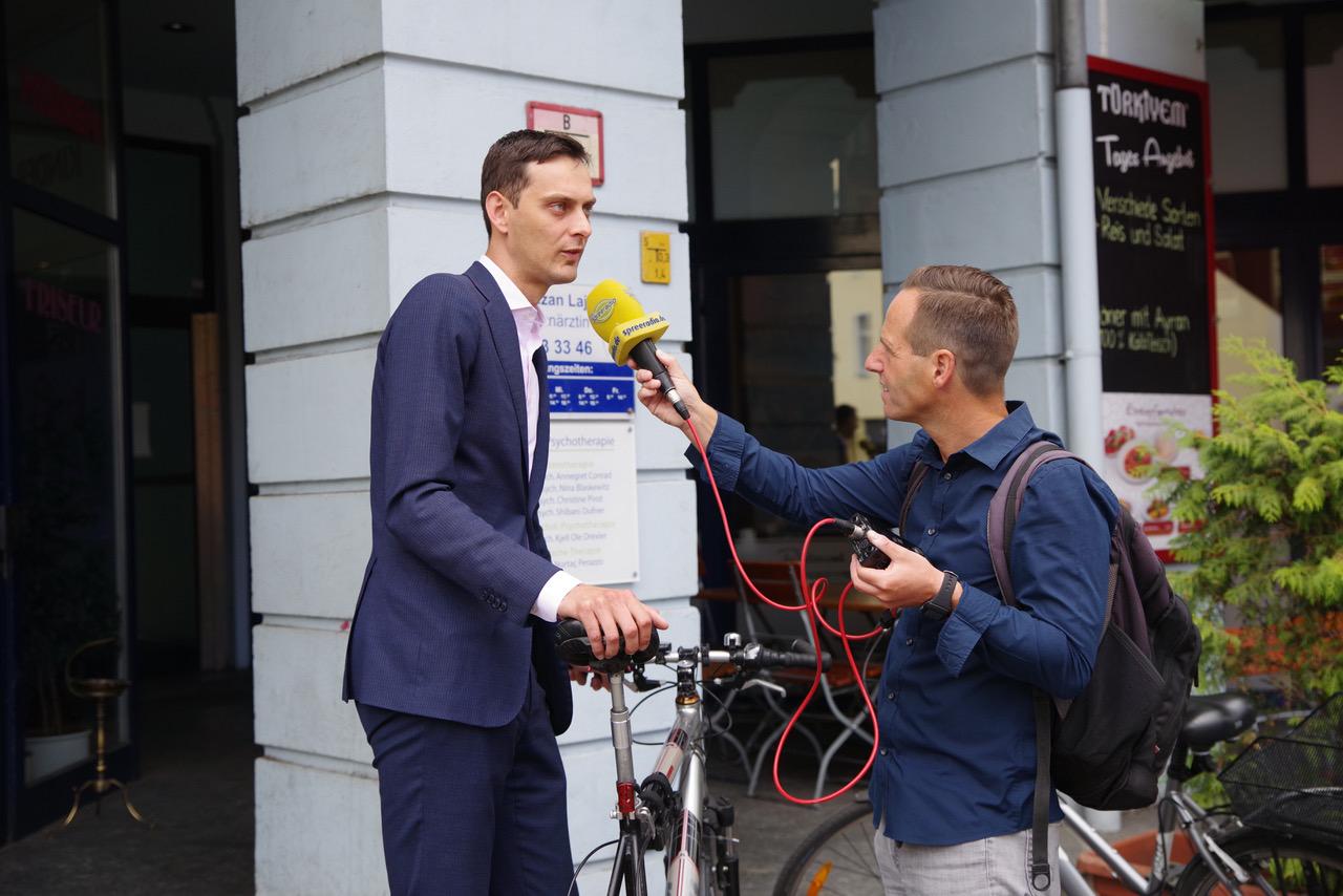 Erster geschützter Radfahrstreifen in Neukölln freigegeben 3