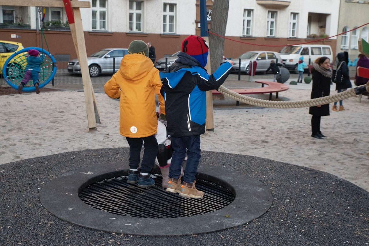 Neuer Spielplatz für die Kinder rund um die Geygerstraße 7