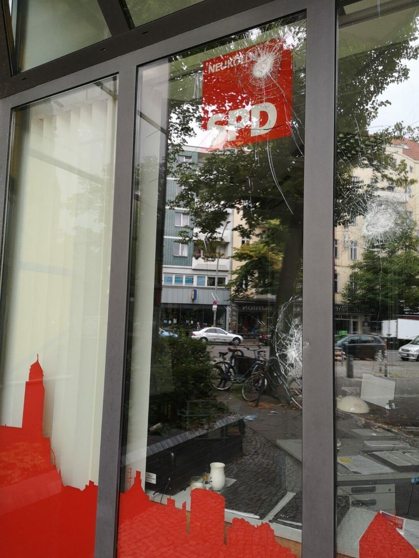 Angriff auf Kreisbüro der SPD Neukölln 3