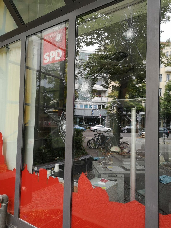 Angriff auf Kreisbüro der SPD Neukölln 1