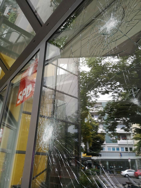 Angriff auf Kreisbüro der SPD Neukölln 4