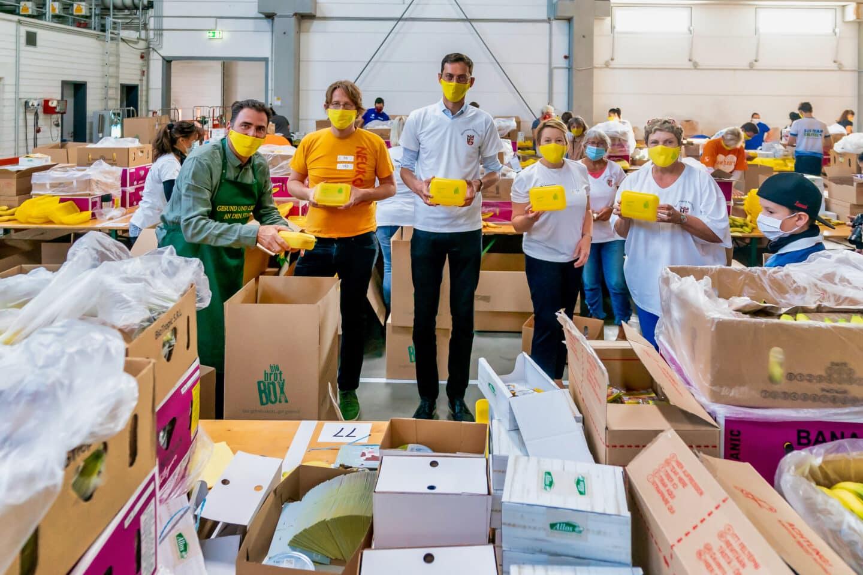 Rund 60 Tausend Bio Brotboxen für Schulanfänger gepackt 8