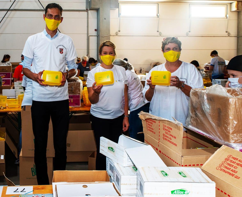 Rund 60 Tausend Bio Brotboxen für Schulanfänger gepackt 16