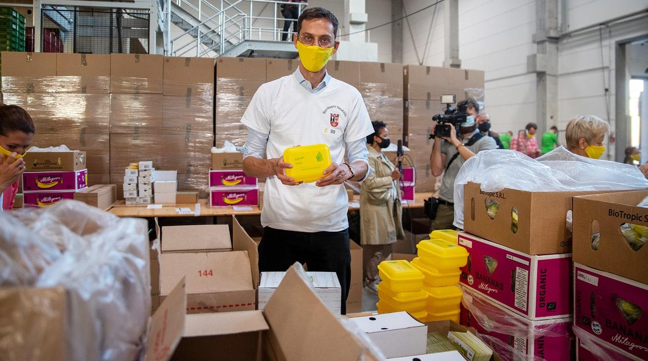 Rund 60 Tausend Bio Brotboxen für Schulanfänger gepackt 14
