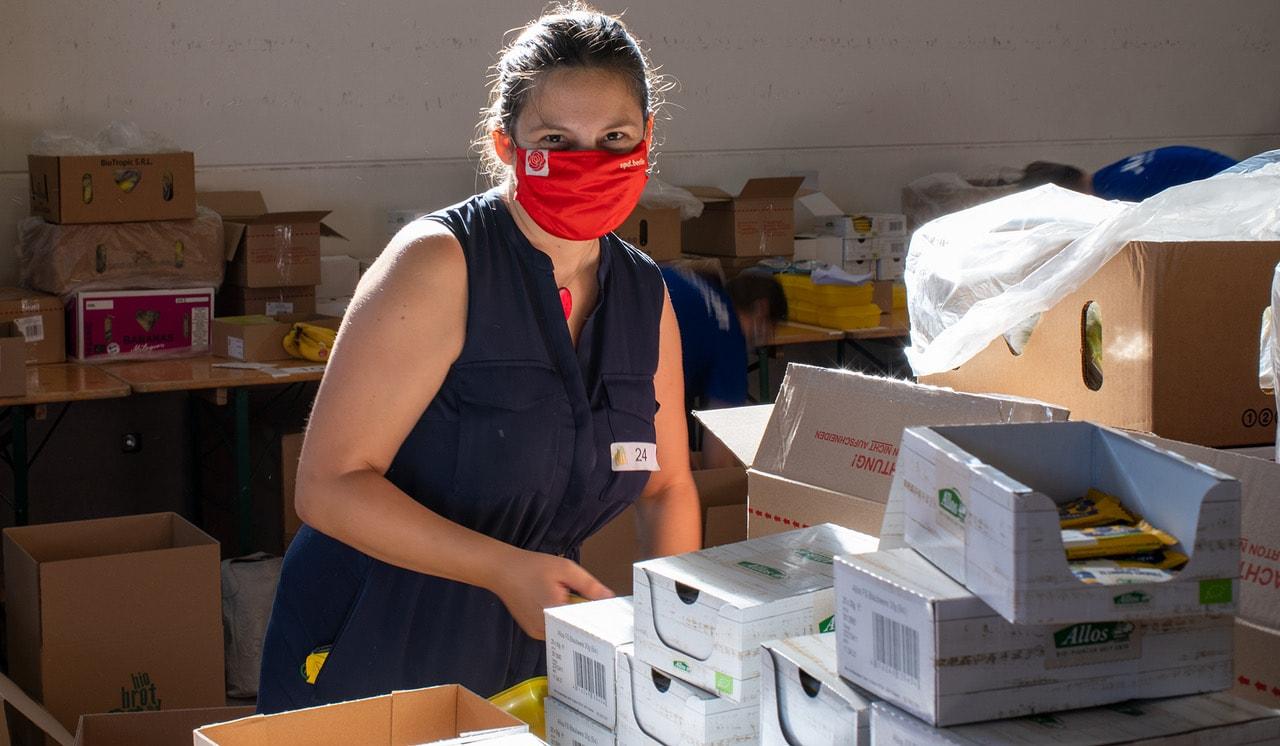 Rund 60 Tausend Bio Brotboxen für Schulanfänger gepackt 2