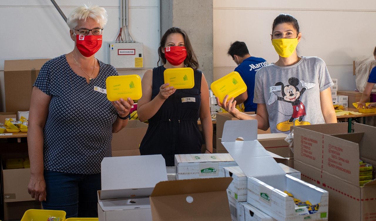 Rund 60 Tausend Bio Brotboxen für Schulanfänger gepackt 17