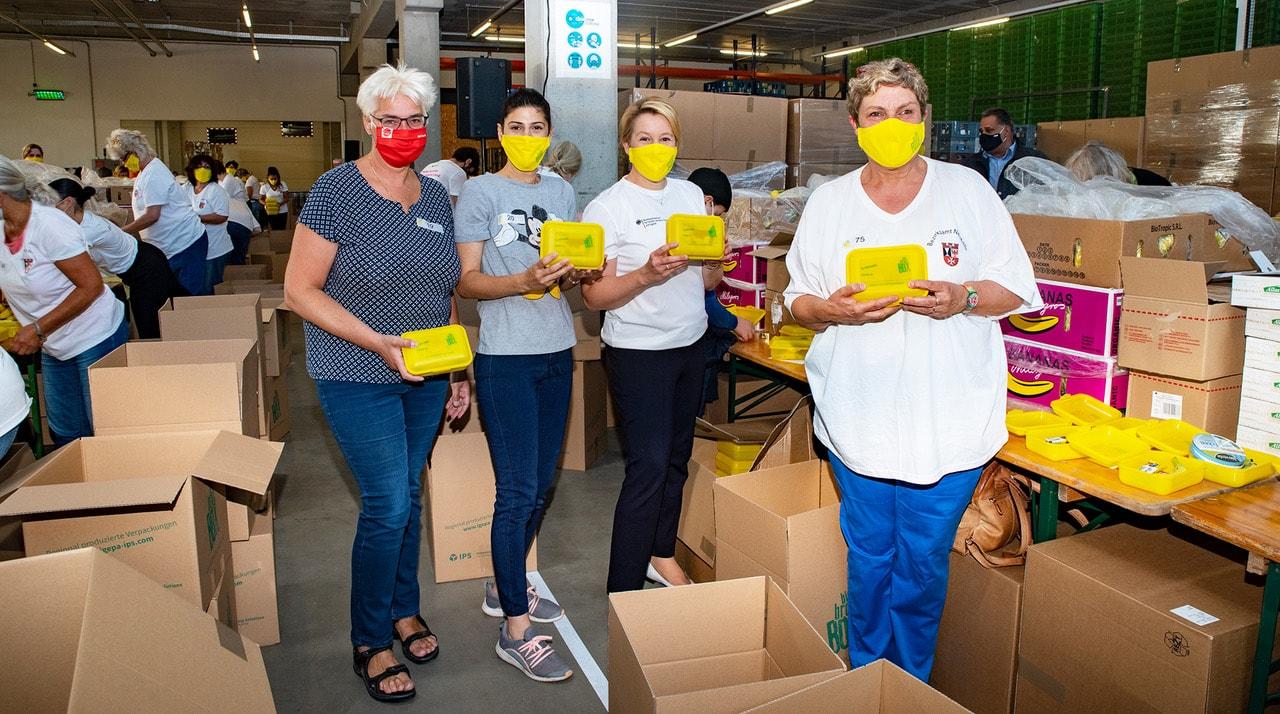 Rund 60 Tausend Bio Brotboxen für Schulanfänger gepackt 1