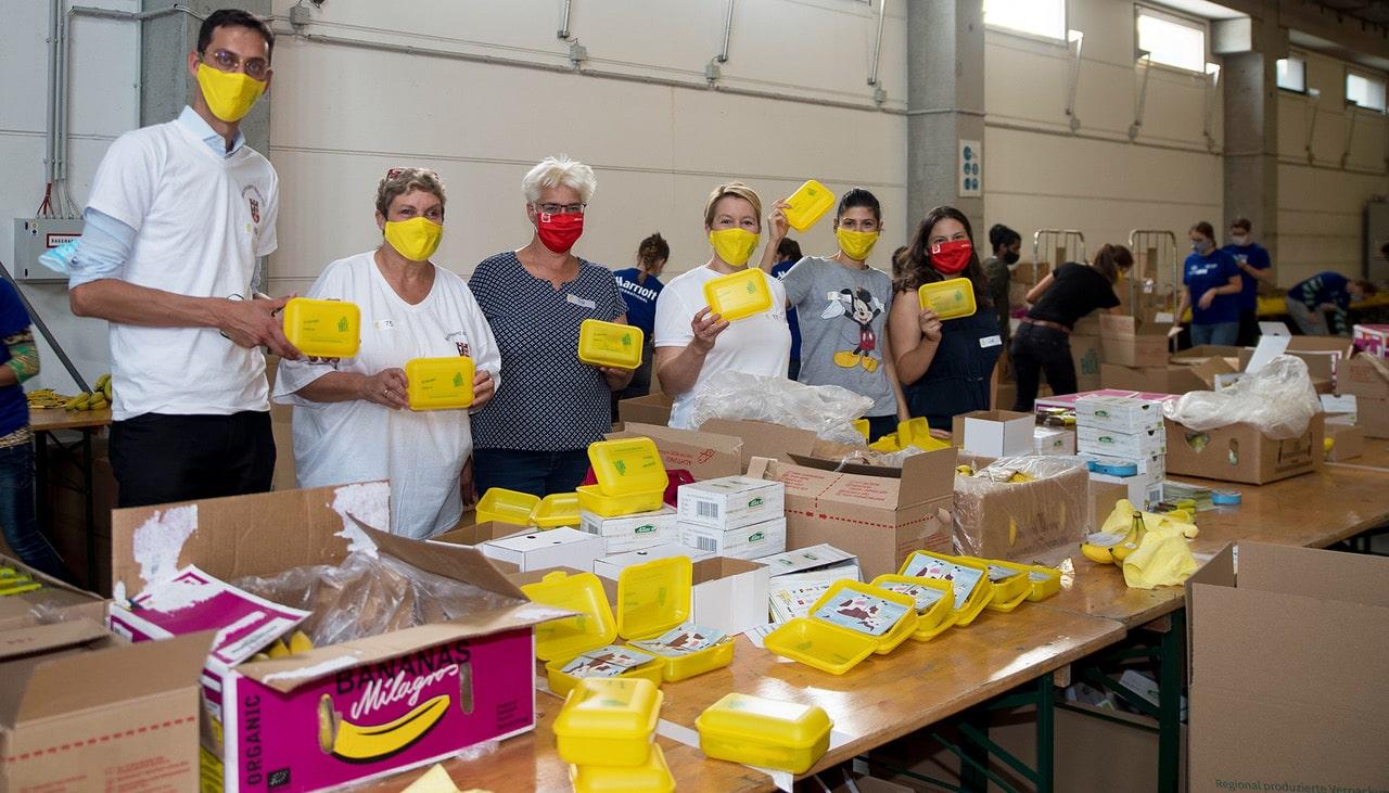 Rund 60 Tausend Bio Brotboxen für Schulanfänger gepackt 23