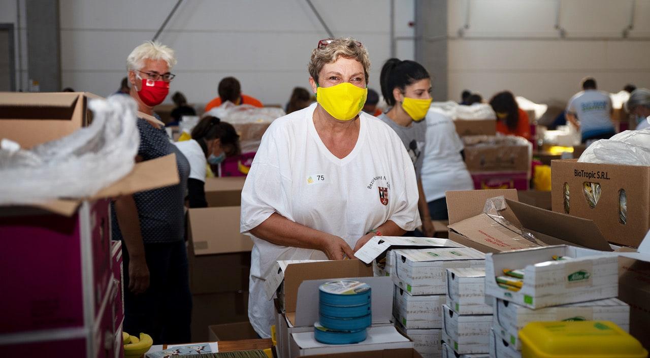 Rund 60 Tausend Bio Brotboxen für Schulanfänger gepackt 24