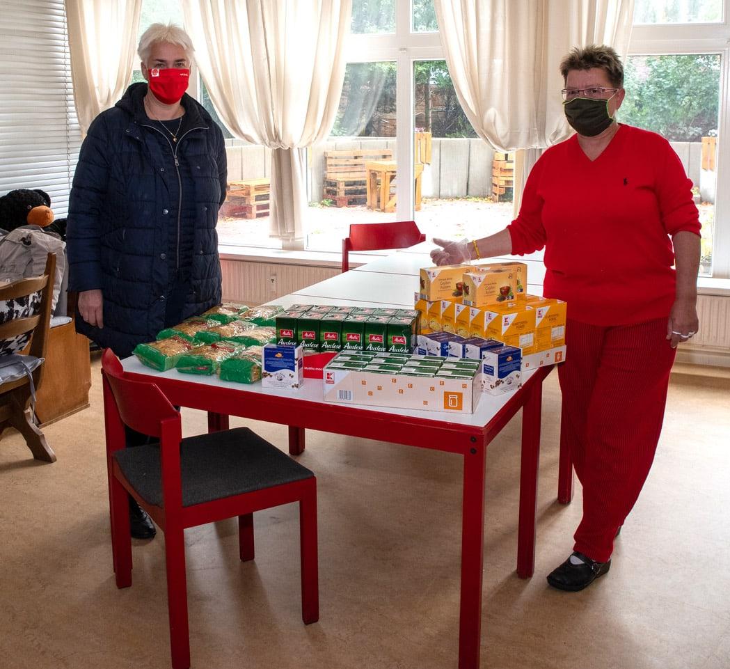 SPD-Fraktion übergab Spenden für Tee- und Wärmestube 1