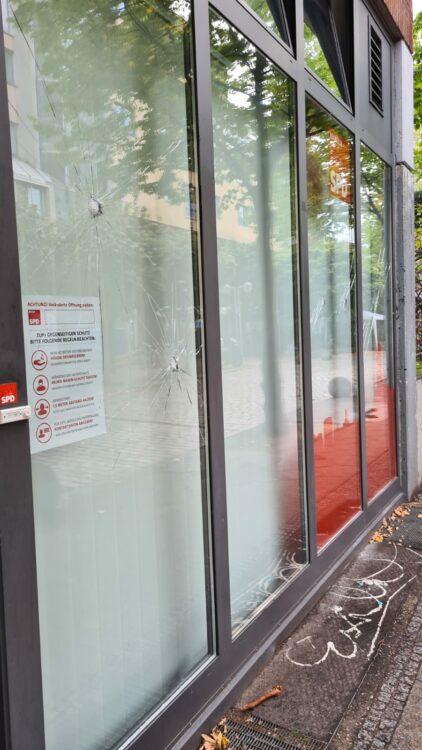 Erneuter Angriff auf das Kreisbüro der SPD Neukölln 4