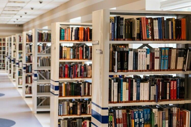 Neuköllner Bibliotheken öffnen ab 22. Februar 2021 7