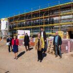 Wir bauen auf Bildung - Der Rohbau der Clay-Schule steht 3