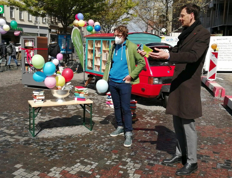 Kostenlos Bücher auf dem Alfred-Scholz-Platz 1