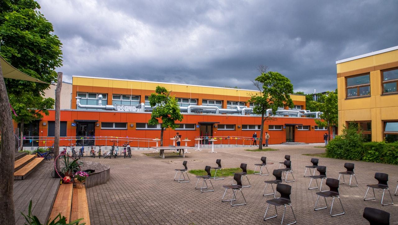 Sanierte Sporthalle an die Hans-Fallada-Schule übergeben 2