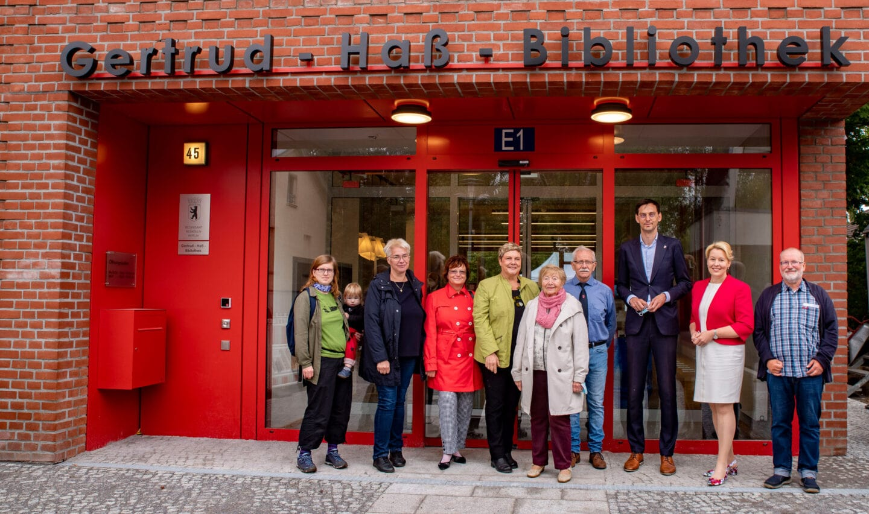 Neue Stadtteilbibliothek in Rudow eingeweiht 1
